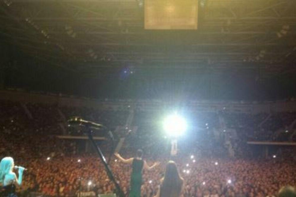 (VIDEO) CECA ZAPALILA BUGARSKU: Pevala u Sofiji pred više od 15.000 ljudi!