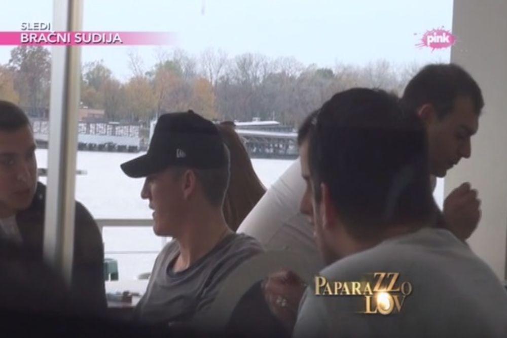 (VIDEO) Pogledajte Ana i Švajn navalili na hranu ko da nisu pet dana jeli!