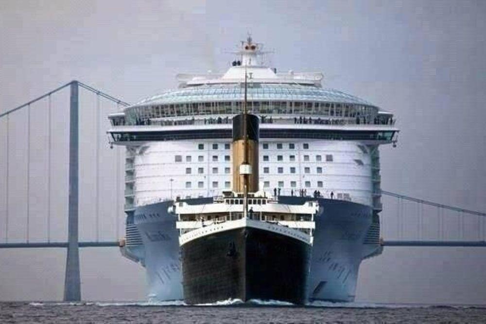 Titanik, Twitter