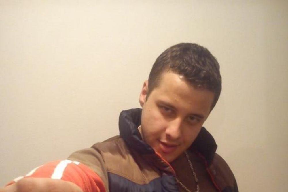 OBOŽAVA NASILJE: Mladić koji je išutirao starca opsednut brutalnim tučama!