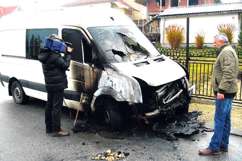 Kragujevac: Zapalio mu kombi jer je dobio batine