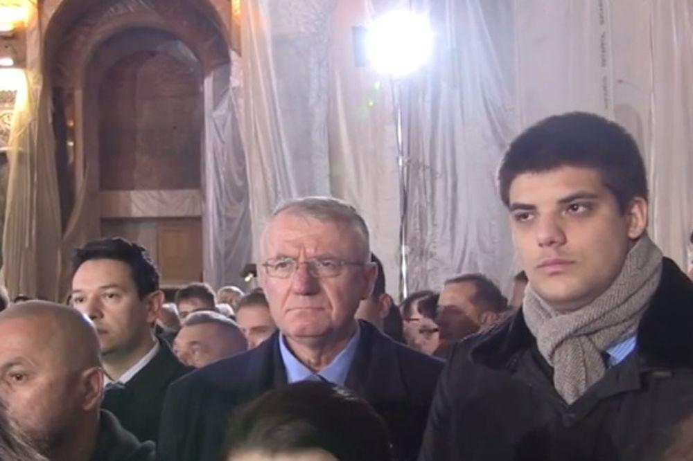 HRAM SVETOG SAVE: Nikolić, Šešelj i ministri na liturgiji patrijarha Kirila i Irineja! (VIDEO)