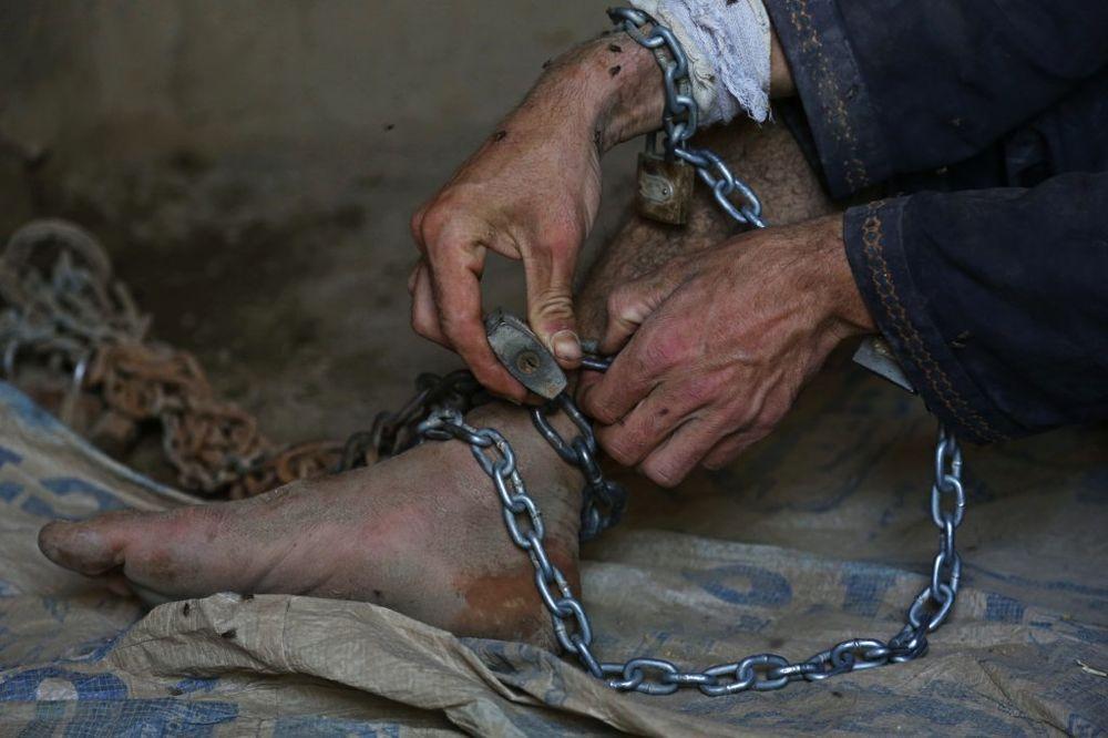 SUŽANJ: Uhapšen Hrvat 18 godina čoveka držao kao roba!