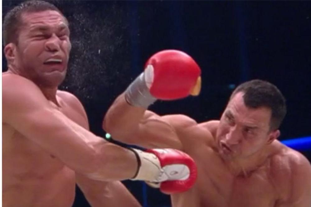 (VIDEO) OVO NIKADA NISTE VIDELI: Kada Kličko udari lice rivala se izobliči