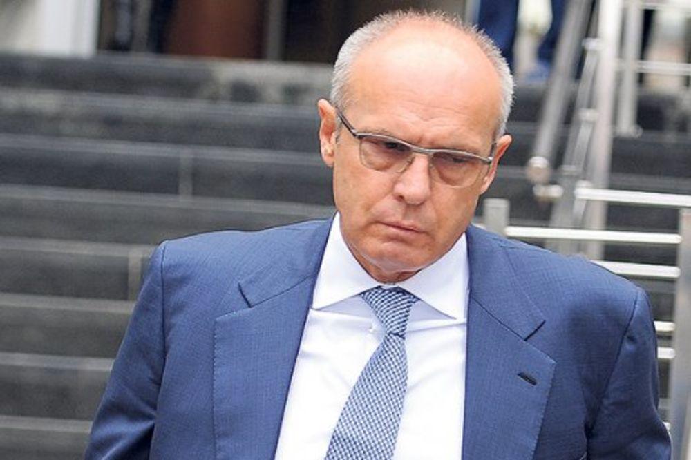 NA KUĆNOM LEČENJU: Milan Beko otpušten iz bolnice