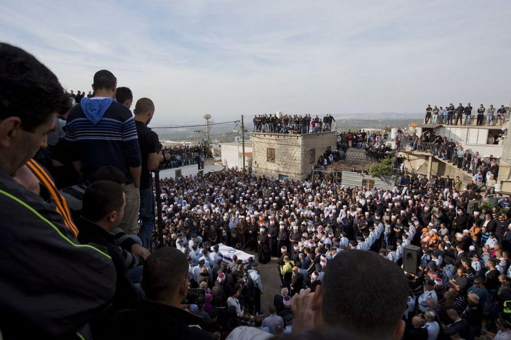 SLIKE KOJE SU OBIŠLE SVET: Njegova smrt je na jedan dan ujedinila Jevreje, hrišćane i muslimane!
