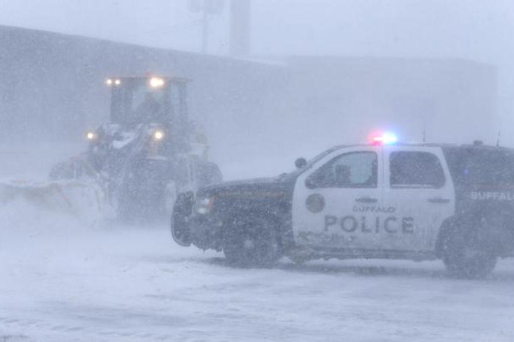 USIJALE SE DRUŠTVENE MREŽE: Pogledajte nezapamćenu snežnu oluju koja je okovala SAD!