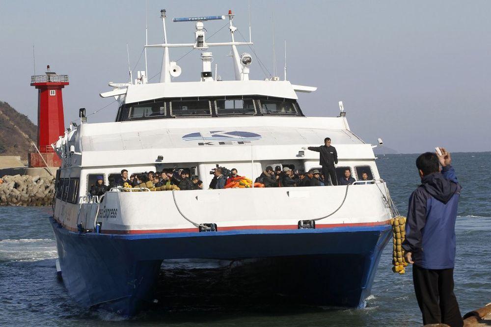 JUŽNA KOREJA: 10 godina robije za direktora trajekta zbog pogibije 300 putnika