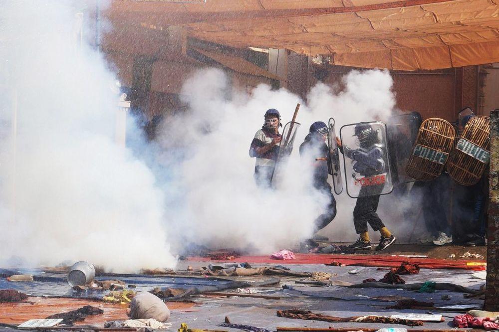 (VIDEO) UHAPŠEN GURU: Policija traga za eksplozivom u ašramu gde su nađena tela 4 žene i deteta!
