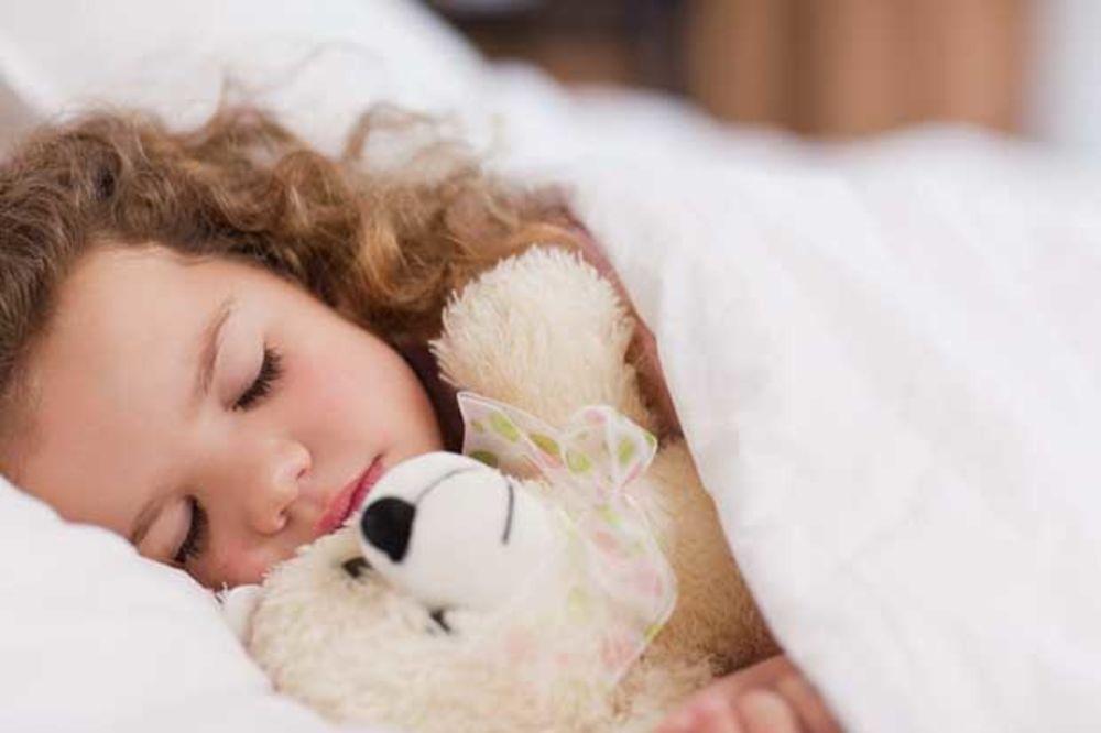 Koliko dugo deca treba da spavaju?