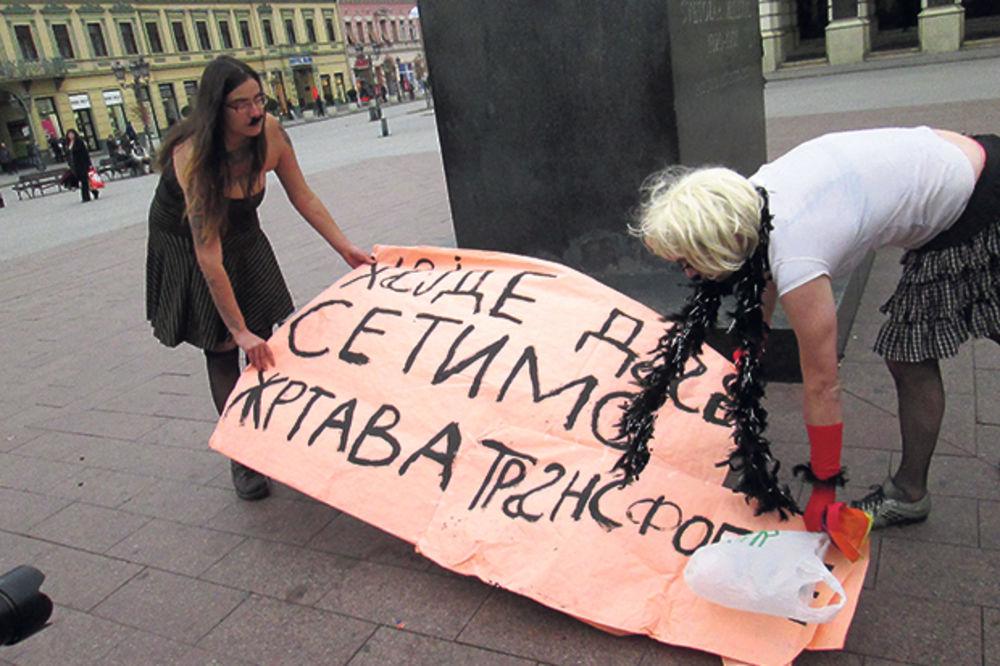 Stotinu policajaca čuvalo dva transvestita u Novom Sadu