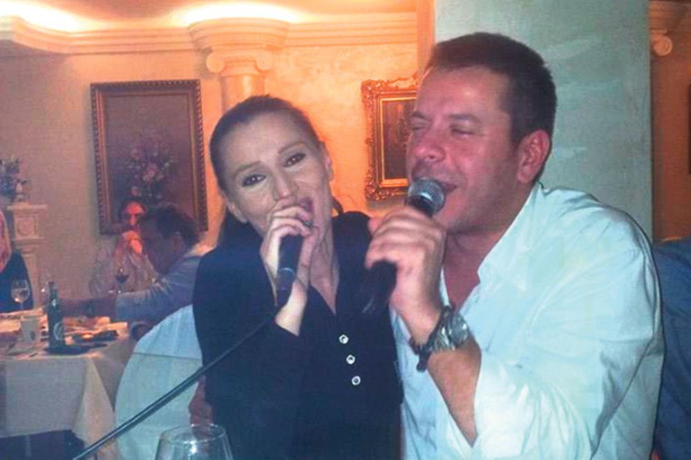 VESELO POSLE 20 GODINA: Mira Škorić pevala na slavi kod bivšeg dečka Bašanovića!