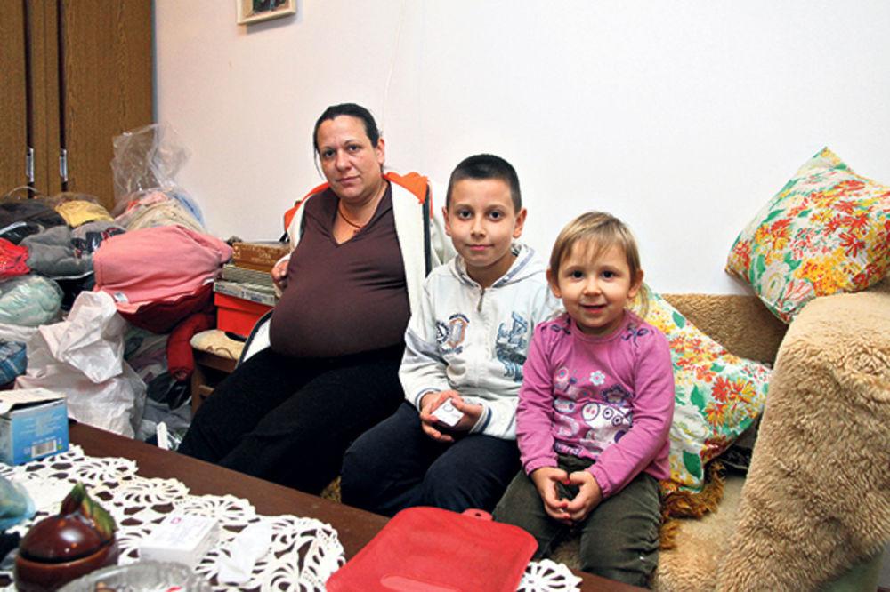 TUŽNO: Trudnica sa dvoje dece iseljena iz stana u Borči