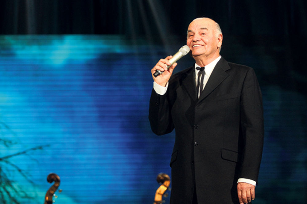 Koncert Zvonka Bogdana: Publika uživala uz šansone i tamburice