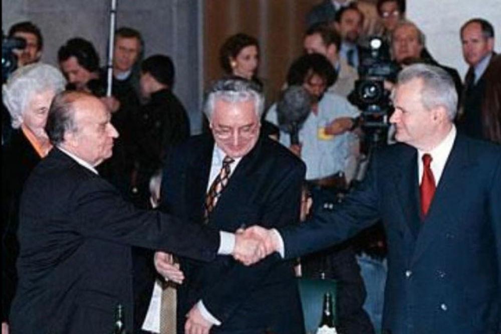 SLOBA SE IGRAO SA TUĐMANOM I ALIJOM: Srpski špijuni omogućili su pobedu Srba u Dejtonu!