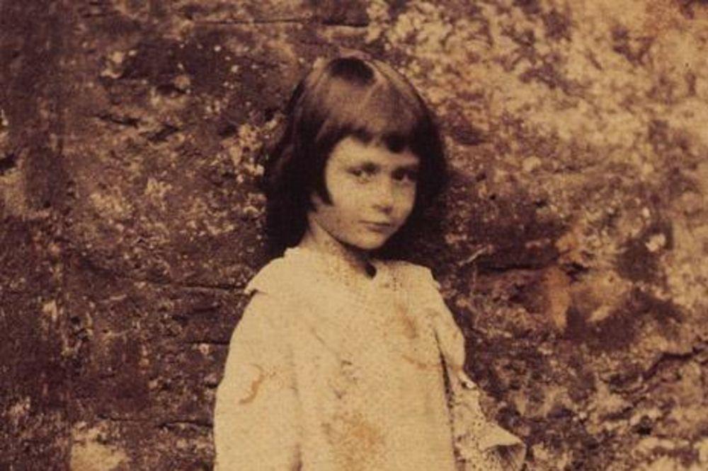 INSPIRACIJA ZA BAJKU: Zbog ove devojčice je nastala priča koja je ulepšala mnoga detinjstva!