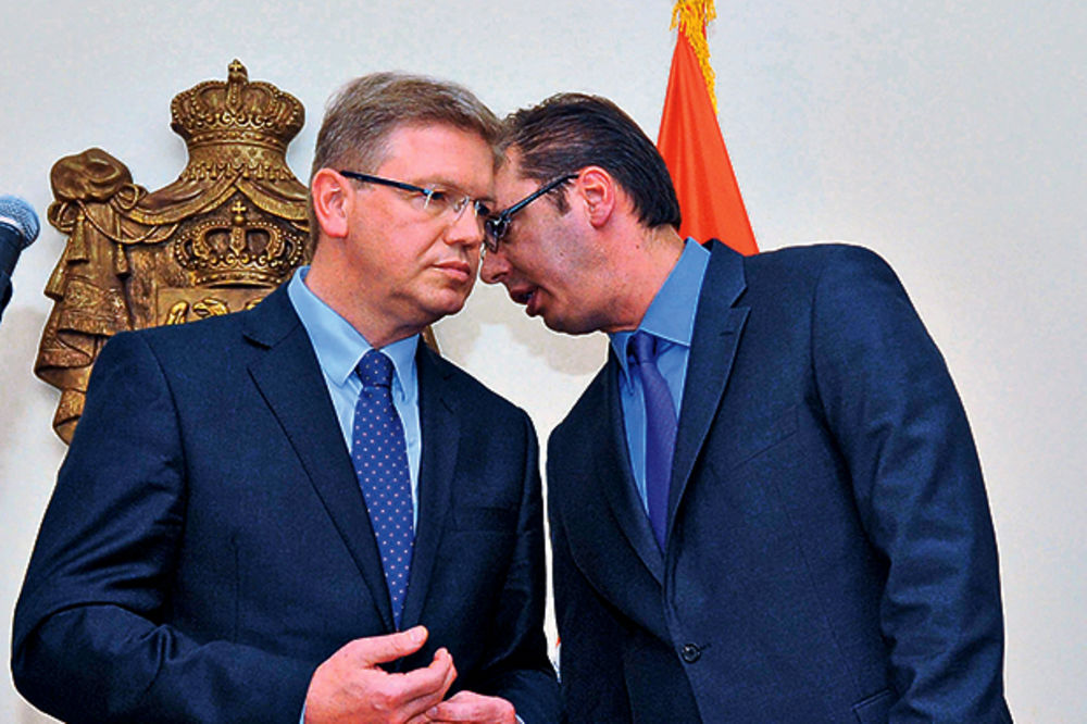 PREPUCAVANJE EU I RUSIJE: Srbija može da balansira još samo nekoliko meseci