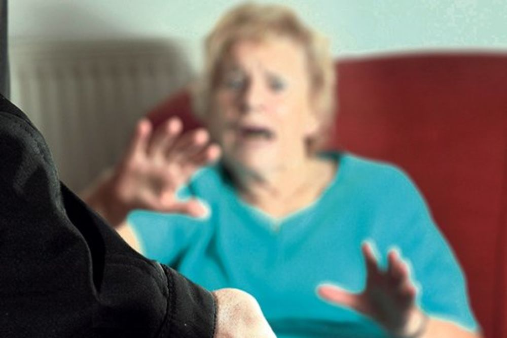 BABA (82) SAVLADALA SILOVATELJA: Kada nemaš para, onda ćemo da vodimo ljubav!