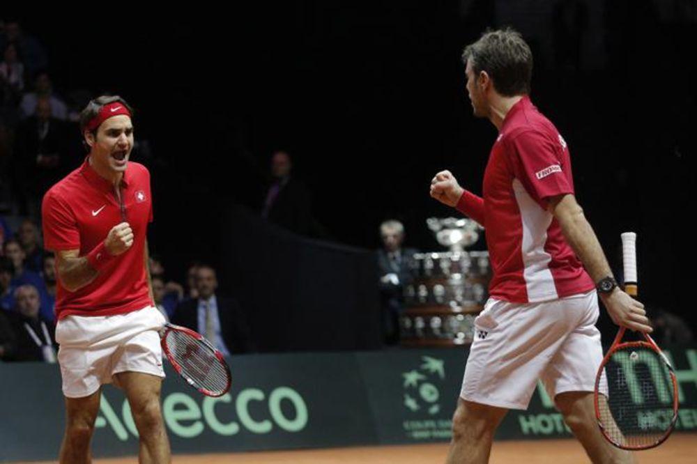 ŠVAJCARSKA NA KORAK OD TITULE: Federer i Vavrinka slavili u dublu