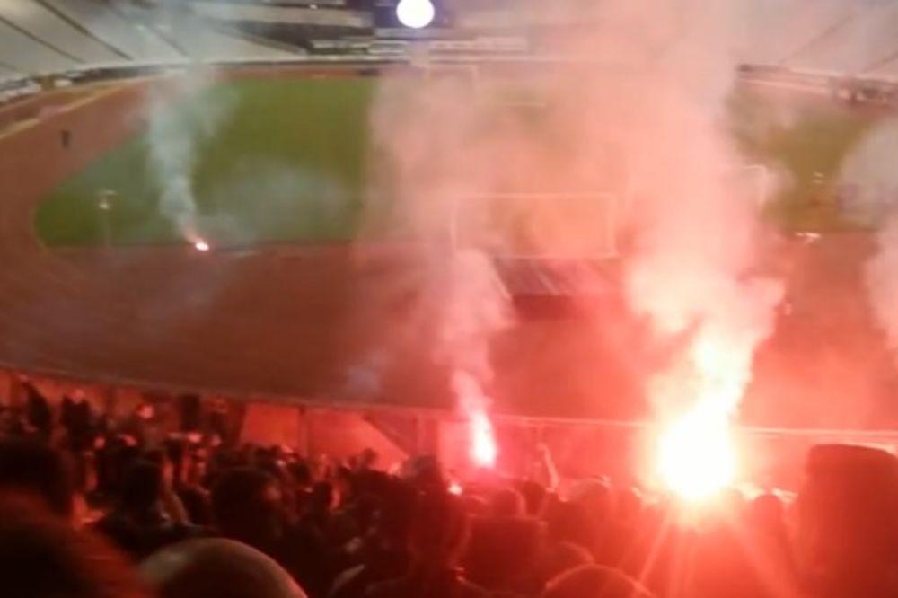 (VIDEO) HEROJI SPLITA: Fudbaleri Hajduka nisu igrali sa Dinamom, pa slavili sa Torcidom