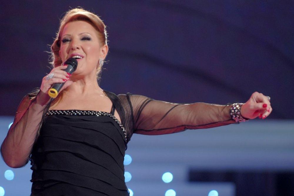IZNENAĐENJE: Snežena Đurišić peva na Grand festivalu!