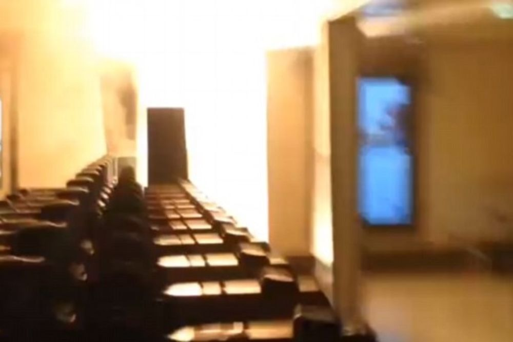 (VIDEO) DRAMATIČNA EVAKUACIJA: Požar u londonskom metrou, putnici panično bežali!