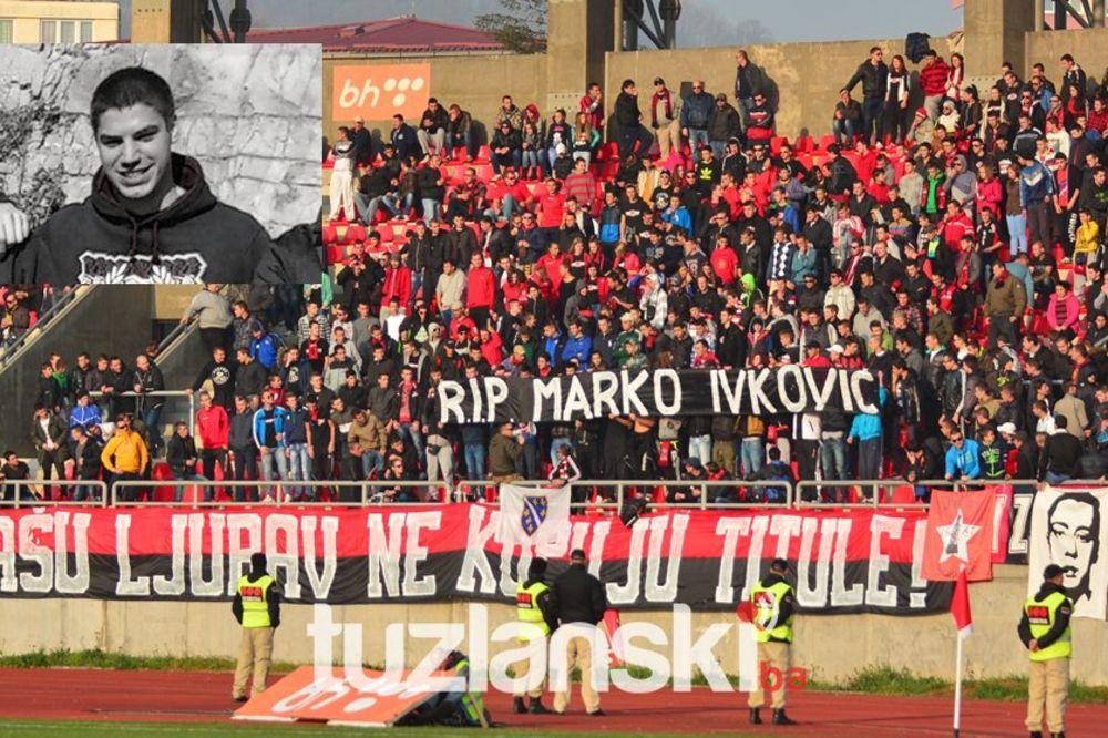 (FOTO) SOLIDARNOST: Navijači Slobode iz Tuzle odali počast ubijenom navijaču Crvene zvezde