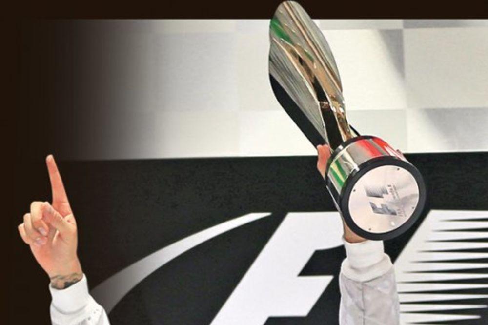 FORMULA 1: Borković uživao u Luisovom trofeju!