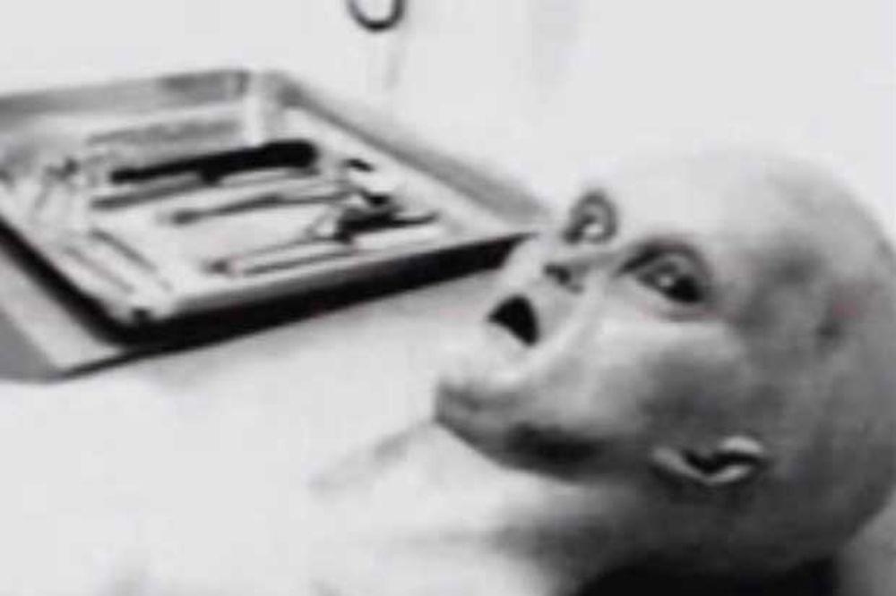 (VIDEO) ISTRAŽIVAČ NLO: Imam autentične fotografije autopisije vanzemaljca iz Rozvela!