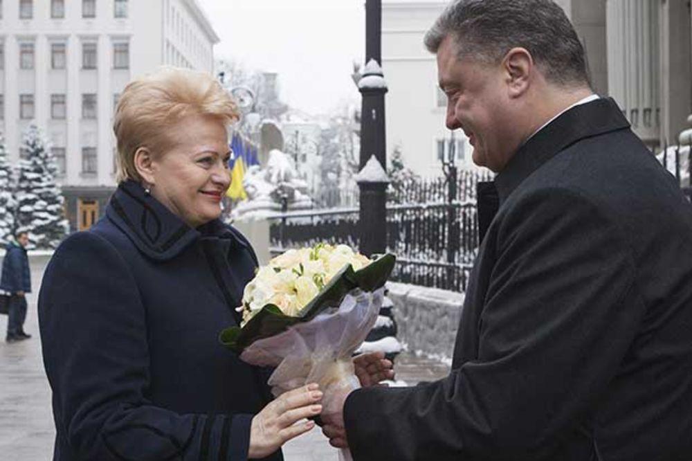 SPREMAJU SE ZA RAT? Porošenko kaže da mu je Litvanija obećala vojnu pomoć