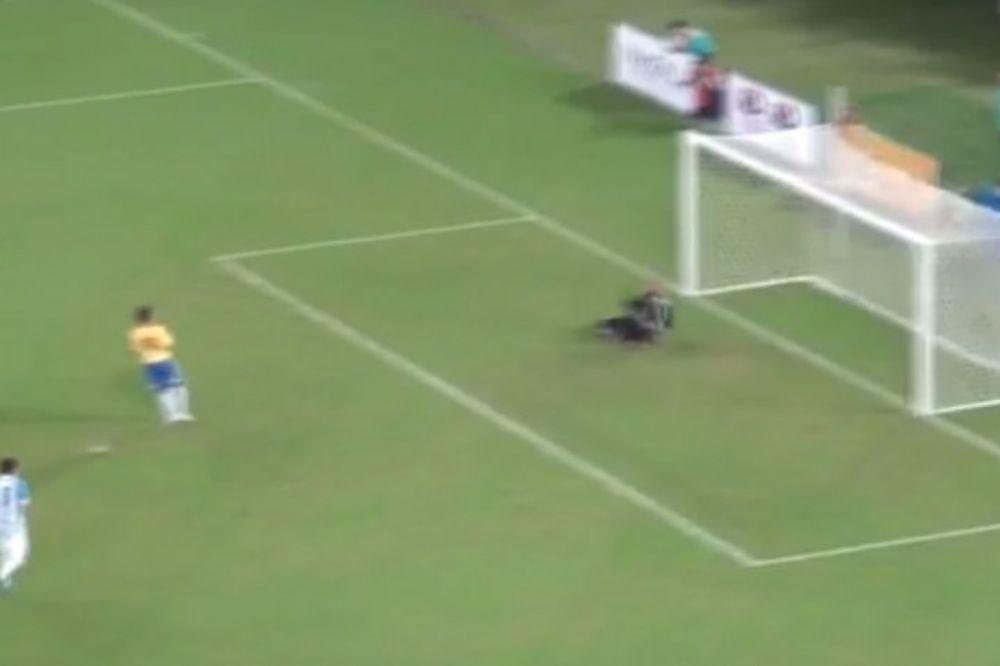 (VIDEO) RAMBO ZAIGRAO ZA BRAZIL: Dejan Petković dao gol Argentini