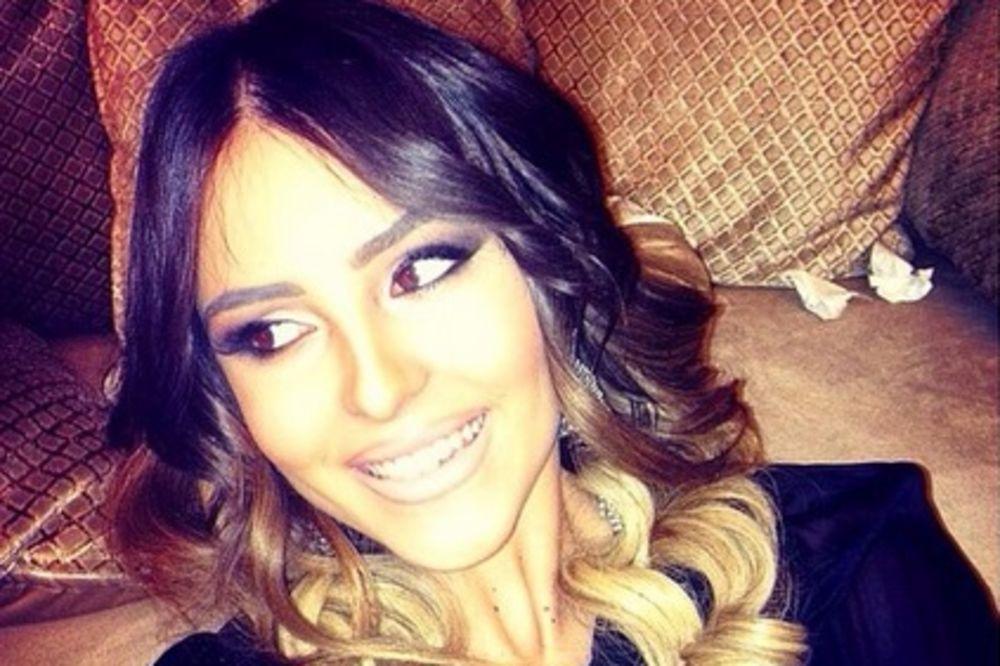 (FOTO) LEPOTICA NA MAMU: Anastasija sve lepša i lepša