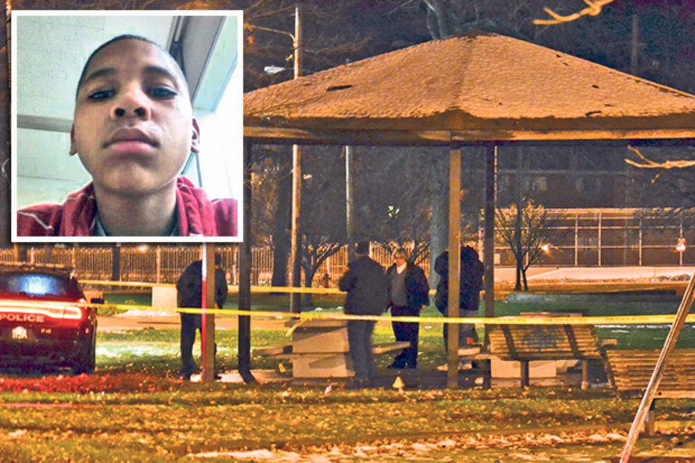 (VIDEO) VLASTI KLIVLENDA: Dečak (12) je sam kriv što su ga policajci ubili zbog pištolja igračke!