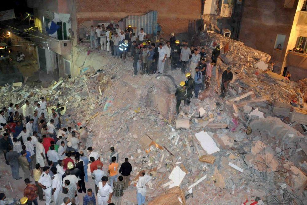 KAIRO: Srušila se osmospratnica, najmanje 10 mrtvih