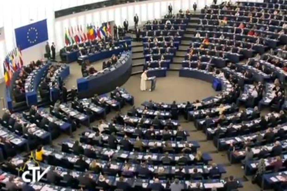(VIDEO) PAPA U EVROPSKOM PARLAMENTU: Prijem zemalja Balkana u EU je važan