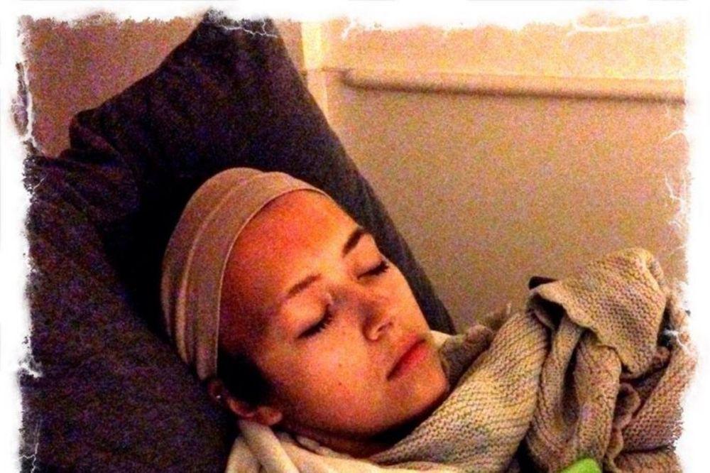 Hejli (19) gubi bitku sa rakom mozga, zato svaki dan slavi Božić do kraja života