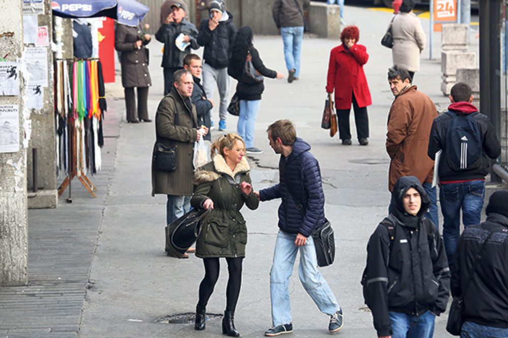 (VIDEO) Nasred ulice mi je zavrtao ruku i hteo da me prebije, a narod ništa!