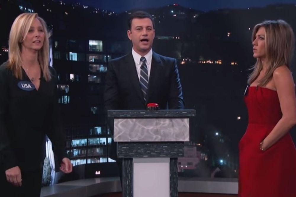 (VIDEO) KAO KOČIJAŠI: Pogledajte kako psuju Rejčel i Fibi iz serije Prijatelji