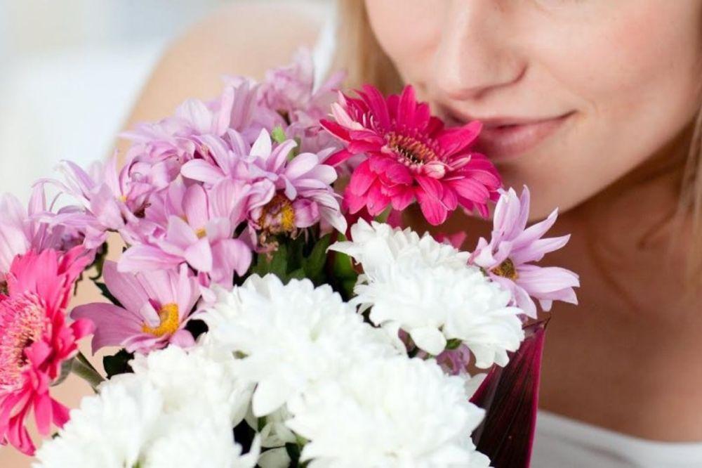 CRVENA RUŽA LJUBAV, ŽUTA PRIJATELJSTVO: Bliži se 8. mart, šta znate o cveću?