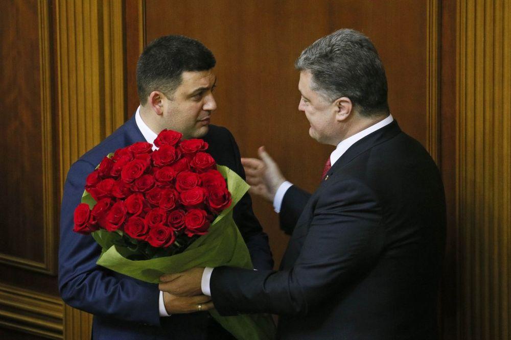 (VIDEO) NOVA VRHOVNA RADA: Porošenkov čovek predsednik skupštine Ukrajine