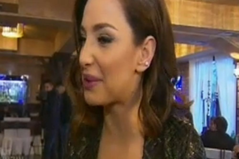 Maya Berović: Obula sam duboke čizme jer nisam izdepilirala noge!
