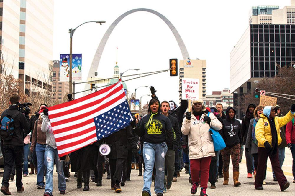 IPAK ZAHVALNI: Demonstranti u Fergusonu pauzirali zbog proslave državnog praznika