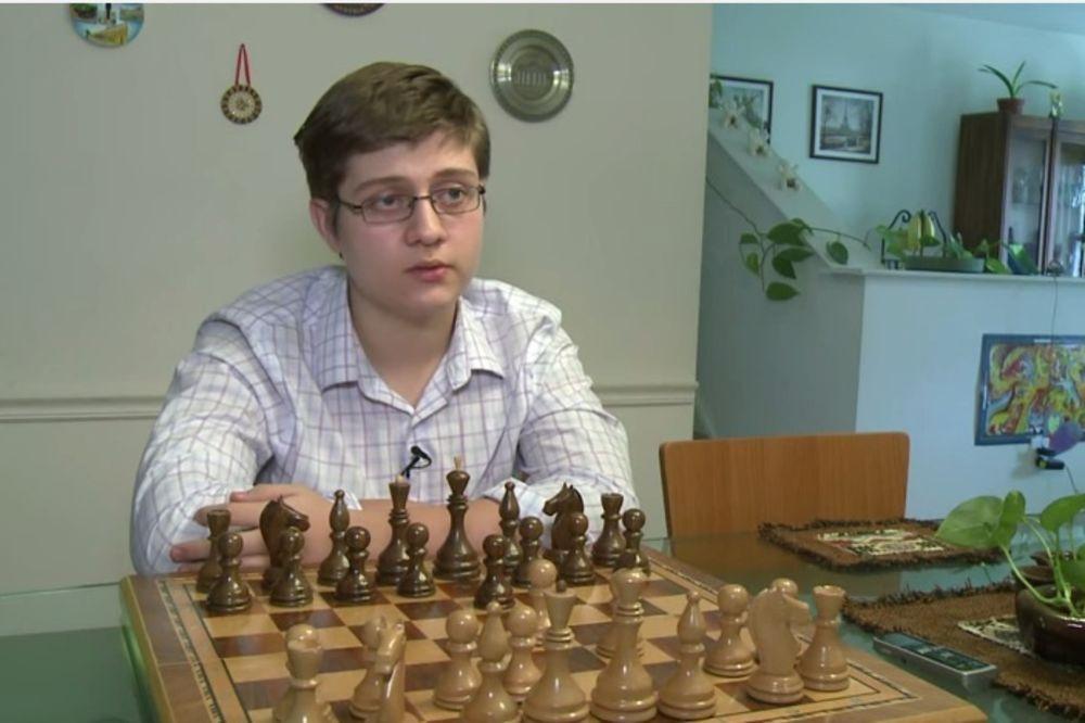 ŠAHOVSKI GENIJE: Semjuel Sevian (13) najmlađi velemajstor u istoriji SAD!