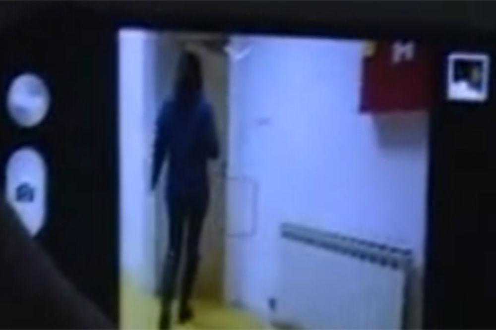 (VIDEO) SKANDAL U BANJALUCI: Perverzni portir tajno snimao koleginice u ženskom toaletu