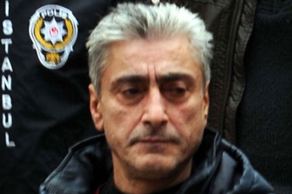 DŽELAT NIJE ISPUŠTAO NOŽ: Evo kako je došlo do sukoba navijača Zvezde i ubice Marka Ivkovića