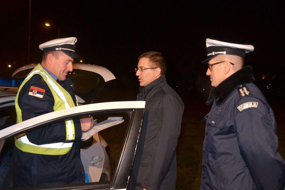 I MINISTAR U PATROLI: Stefanović noćas dežurao sa saobraćajcima