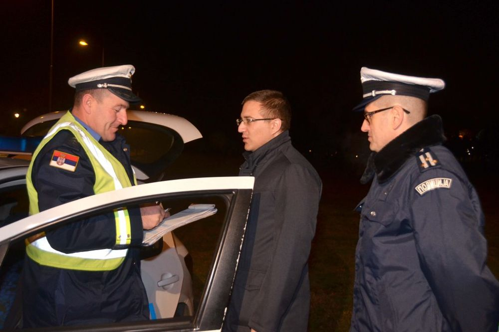 (VIDEO) I MINISTAR U PATROLI: Stefanović noćas dežurao sa saobraćajcima