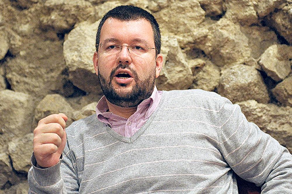 ČEDOMIR ANTIĆ TVRDI: Tribinu su prekinuli levičari, oni terorišu ceo fakultet!