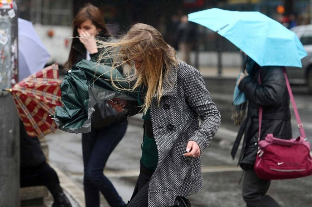 SPREMITE SE ZA OLUJNI VETAR: Banat očekuje orkanske udare!