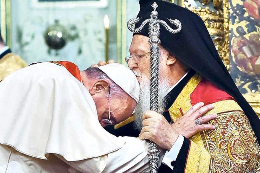 SPC traži da se papa prvo izvini za zločine